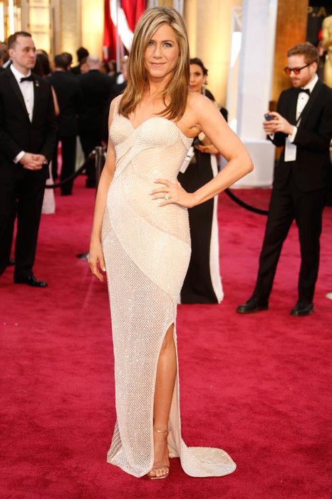 Minha DIVA, Aniston, não me surpreendeu. O vestido até que é bonito, ela é maravilhosa, mas o cabelo não rolou...